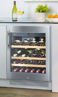 Multi-temperature wine cabinet
