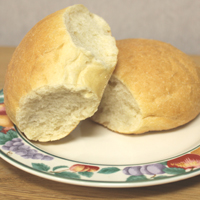 Bread rolls to cleanse the palate