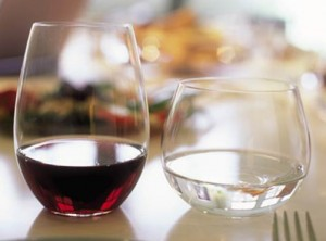 Stemless glasses suitable for wine, water or soft drinks